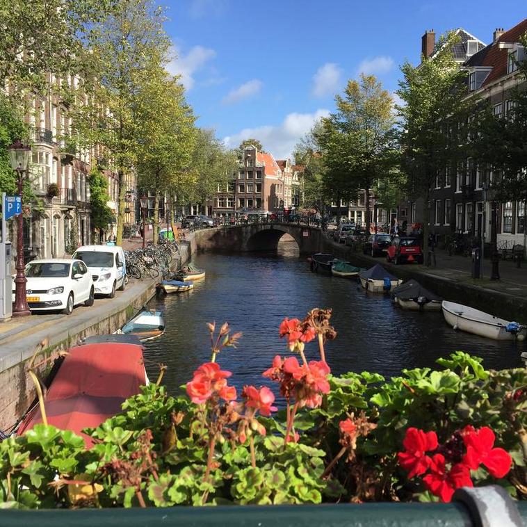 تكلفة السفر الى امستردام في عام 2020