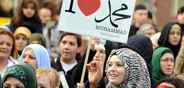 عدد سكان بريطانيا المسلمين هل يرتفع أم ينخفض ؟