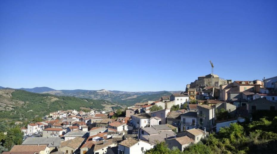 مدينة إيطالية تبيع المنازل مقابل يورو واحد فقط